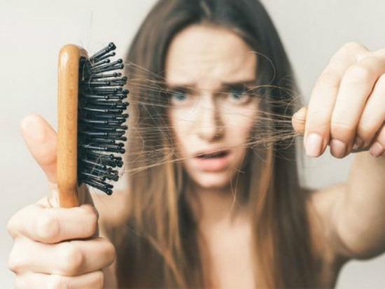 rụng tóc sinh lý